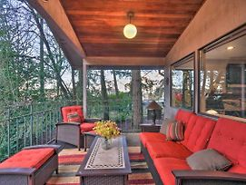 Tigard Retreat W/Deck, 15 Mins From Portland! photos Exterior