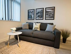 Charming Apartment In Liverpool Near Liverpool Central photos Exterior