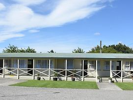 Featherston Motels And Camping photos Exterior