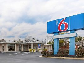 Motel 6 Winchester photos Exterior