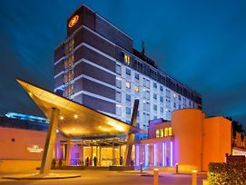 Crowne Plaza London - Gatwick Airport photos Exterior