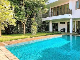 Asri Villa Dago Private Pool photos Exterior