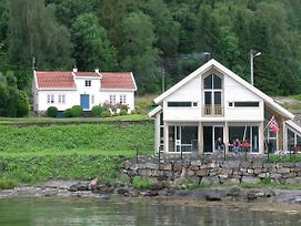 Five Bedroom Holiday Home In Jelsa 3 photos Exterior