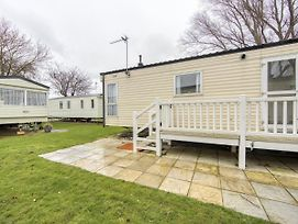 Alluring Mobile Home In Hastings Near Sea photos Exterior