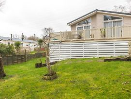 Pleasant Mobile Home In Hastings With Garden photos Exterior