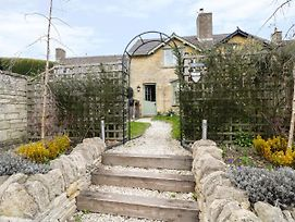 Puffitts Cottage Cheltenham photos Exterior