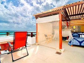 Beachfront Penthouse With Jacuzzi, Live The Dream! photos Exterior