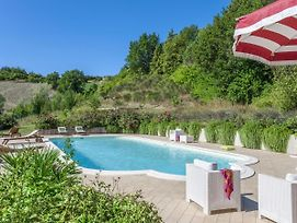 Plush Holiday Home In Belforte All'Isauro With Swimming Pool photos Exterior