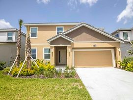 Stunning 6Br Family Home With Pool! Near Disney! photos Exterior