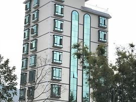 Xinfeng County Meikeng Town Royal Holiday Spring Hotel photos Exterior