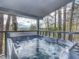 Eastwood, 4 Bedrooms, Hot Tub, Pets, Mountain View, Pool Access, Sleeps 10 photos Exterior
