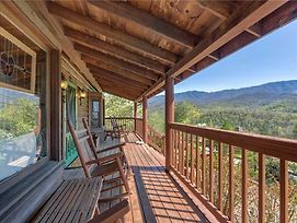 Lil Cabin In The Woods, 2 Bedrooms, Pool Table, View, Pool Access, Sleeps 6 photos Exterior