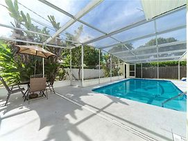 Villas Mansion, Private Heated Pool, 4 Bedrooms, Wifi, Office, Sleeps 14 photos Exterior