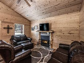 Eagle Creek Cabin 5, 1 Bedroom, Grill, Fire Pit, Sleeps 4 photos Exterior
