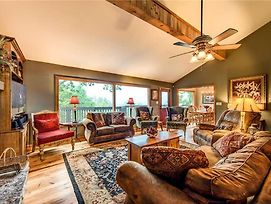 Stand In Awe, 4 Bedrooms, Fireplace, Views, Pool Table, Hot Tub, Sleeps 8 photos Exterior