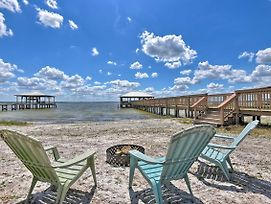 Luxe Lake Weir Beach Retreat With Private Dock photos Exterior