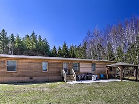 Secluded Home W/ Fire Pit, Walk To Lake/Park! photos Exterior