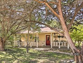 Charming Home W/Porch Swing+Grill: 6Mi To Wineries photos Exterior