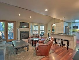 Family Getaway With Hot Tub, Less Than 2 Mi To Dtwn Bend photos Exterior