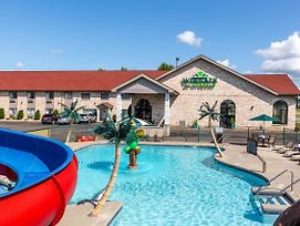 Wingate By Wyndham Wisconsin Dells photos Exterior