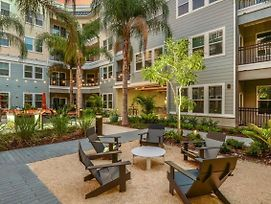 Modern Apt, Fantastic Amenities - Near Everything In Tampa! photos Exterior