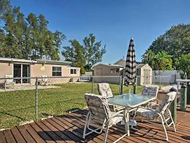 Family-Friendly Englewood Home On Canal With Dock! photos Exterior