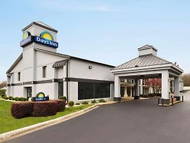 Days Inn By Wyndham Rock Hill photos Exterior