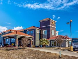 La Quinta Inn & Suites By Wyndham Kerrville photos Exterior