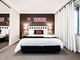 Two Bedroom Apt Next To Perth Cbd With Parking. photos Exterior