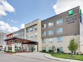 Holiday Inn Express & Suites Farmers Branch photos Exterior