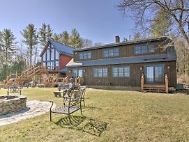 Timeless Red Sox Retreat With Scenic Mountain Views! photos Exterior