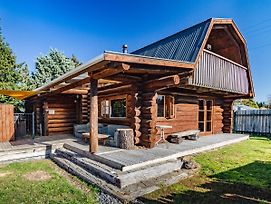 Cosy Warm Log Cabin - Ohakune Holiday Home photos Exterior