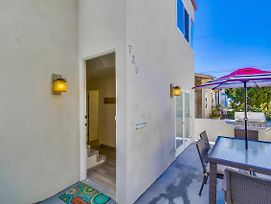 Sun & Fun! Centrally Located, Walk To All! Professional Design And Remodel photos Exterior