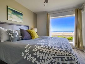 Oceanfront Condo, Private Patio, Walk To All! photos Exterior