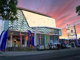 Ramada Encore By Wyndham Kuta Badung photos Exterior