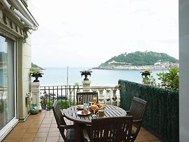 Breathtaking Views From Terrace In Luxury Apartment photos Exterior