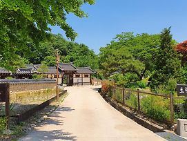 Tohyang Traditional House photos Exterior