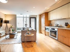 Luxury Townhome In The Heart Of Downtown Vancouver photos Exterior