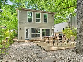 Modern East Austin Hideaway; Great For Groups photos Exterior