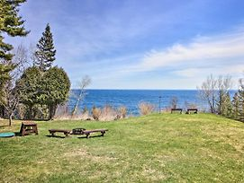 New! Lake Superior Beachfront Home 15 Mi To Duluth photos Exterior