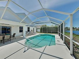 Sweet Fort Myers Beach Retreat W/ Pond-View Pool Home photos Exterior
