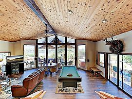 Upscale Lakefront Home W/ Hot Tub & Billiards Home photos Exterior