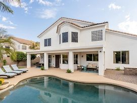 Spectacular 3,900 Square Foot Home W/ Private Pool Home photos Exterior