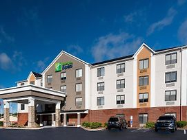 Holiday Inn Express Hillsville photos Exterior