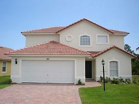 This Wonderful 4 Bedroom House Located On The Lake Wilson Preserve photos Exterior