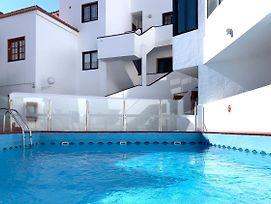 Two Bedroom Apartment With Amazing Pool In Los Cristianos Colina II photos Exterior