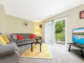 ✵ Contemporary 2 Bedroom Apt. @ Holiday Village ➠ Unit 3891 ✵ photos Room
