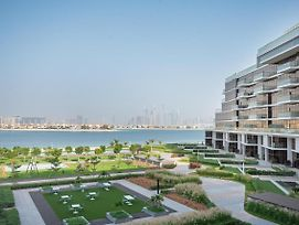 Trendy Beachfront Living 3Br At The8 Palm Jumeirah photos Exterior