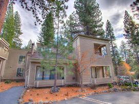 Tall Pines Retreat By Lake Tahoe Accommodations photos Exterior