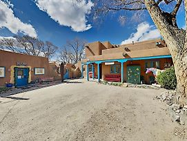 Steps To Plaza! 2 Downtown Casitas By Inger Jirby Duplex photos Exterior